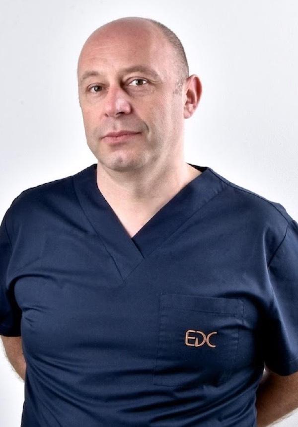 Milan Arnautović, spec. oralne kirurgije Dr.med.dent., EDC tim